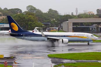 VT-JFH - Jet Airways Boeing 737-800