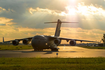 08-8194 - USA - Air Force Boeing C-17A Globemaster III