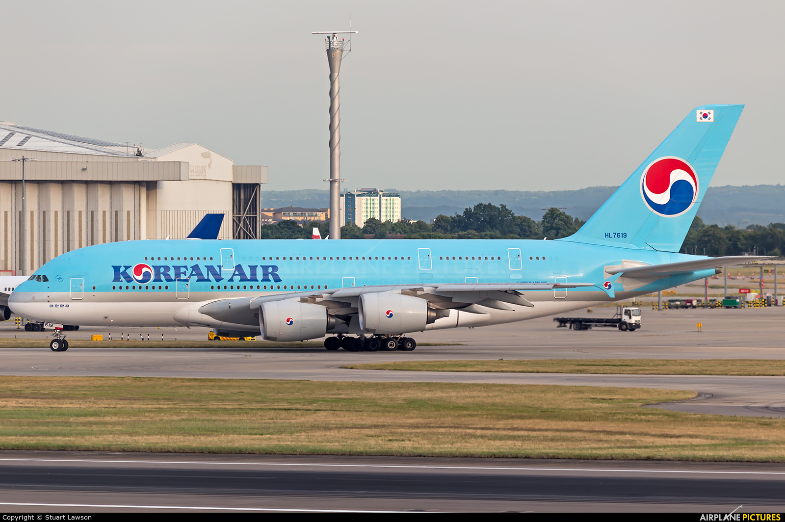 Korean Air HL7619 aircraft at London - Heathrow
