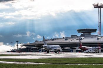 - - Gazpromavia - Airport Overview - Apron