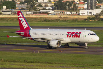 PR-MYG - TAM Airbus A320