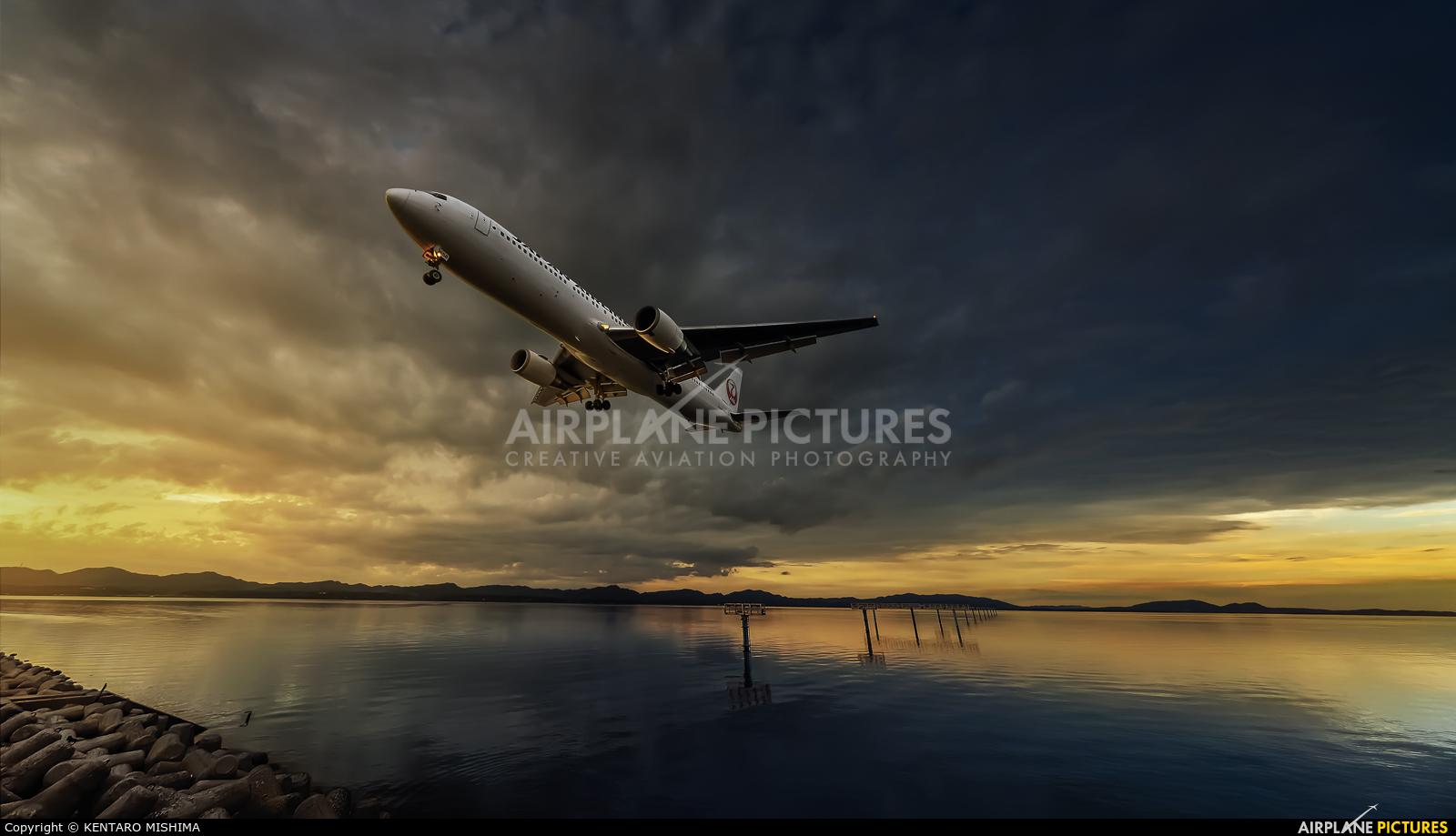 JAL - Japan Airlines JA658J aircraft at Izumo