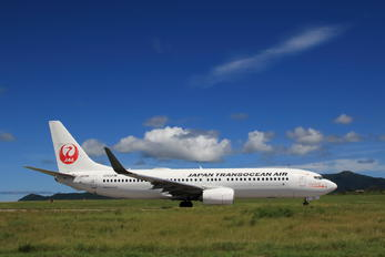 JA01RK - JAL - Japan Transocean Air Boeing 737-800