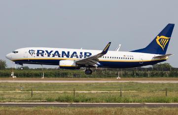 EI-FZL - Ryanair Boeing 737-800
