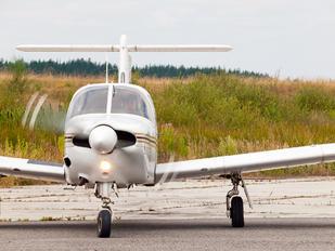 EC-DTA - Real Aero Club de León Piper PA-28R Arrow /  RT Turbo Arrow