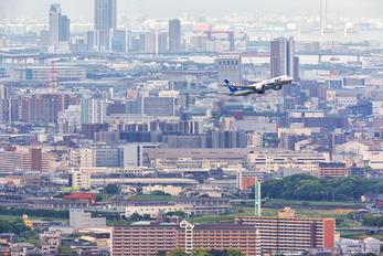 JA812A - ANA - All Nippon Airways Boeing 787-8 Dreamliner