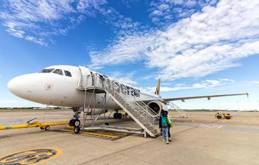 VH-VNQ - Tiger Airways Airbus A320