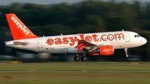 G-EZAT - easyJet Airbus A319 aircraft