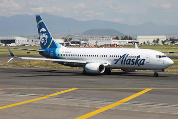 N590AS - Alaska Airlines Boeing 737-800