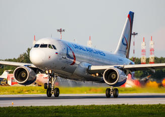 VQ-BFW - Ural Airlines Airbus A320