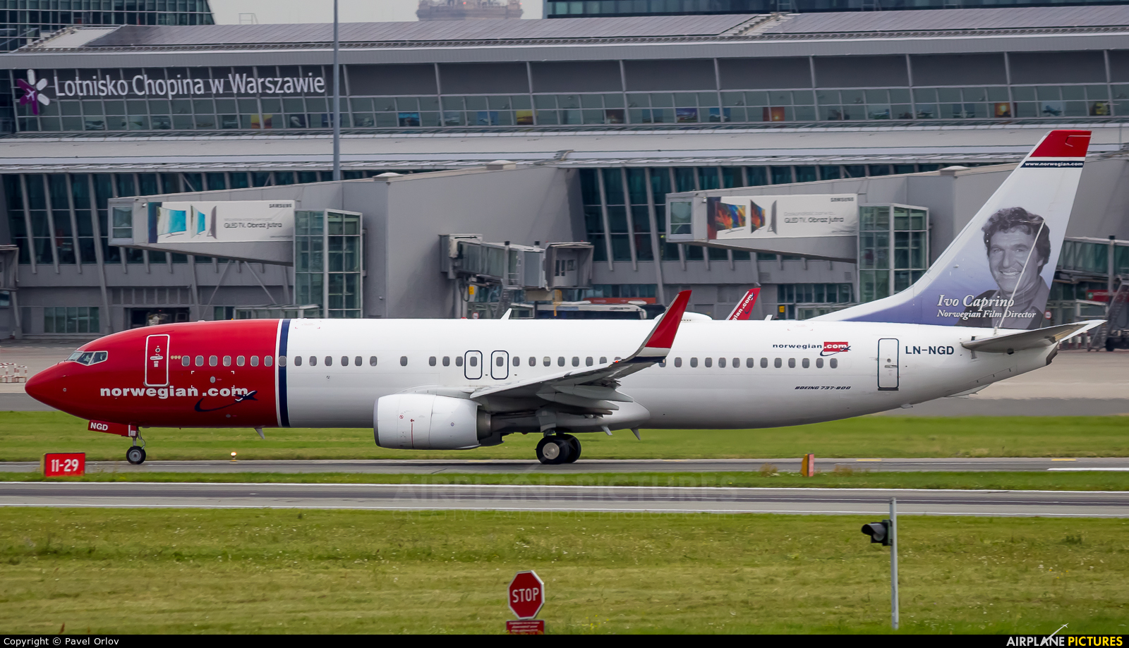 Norwegian Air Shuttle LN-NGD aircraft at Warsaw - Frederic Chopin