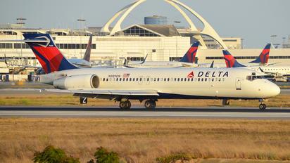 N989DN - Delta Air Lines Boeing 717