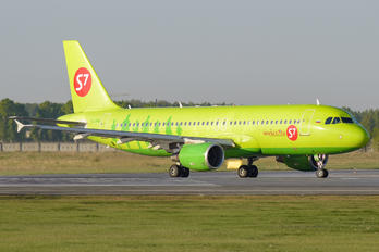 VQ-BPN - S7 Airlines Airbus A320