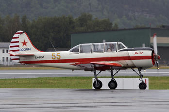 LN-HDA - Private Aerostar SA Yak 52