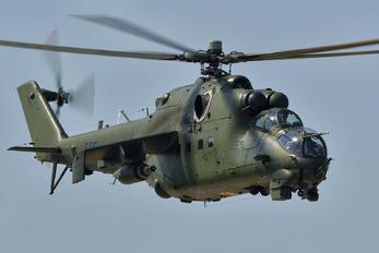 585 - Poland - Army Mil Mi-24D