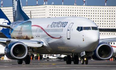 XA-AMU - Aeromexico Boeing 737-800