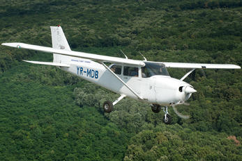 YR-MDB - Scoala Superioara de Aviatie Civila Cessna 172 Skyhawk (all models except RG)