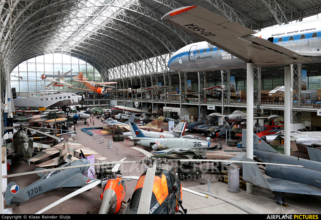 - aircraft at Brussels - Royal Museum of the Army