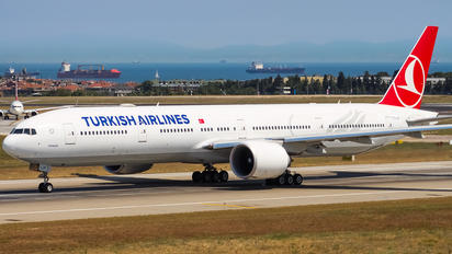 TC-LJF - Turkish Airlines Boeing 777-300ER