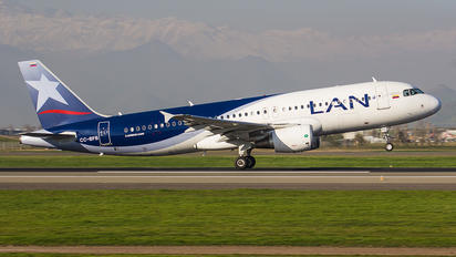 CC-BFB - LAN Airlines Airbus A320
