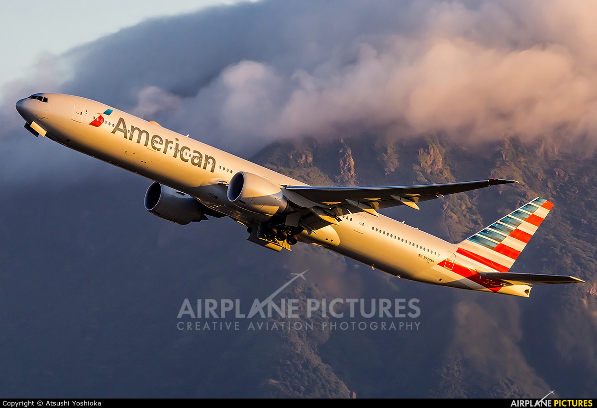 American Airlines N729AN aircraft at HKG - Chek Lap Kok Intl