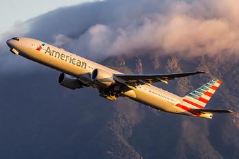 N729AN - American Airlines Boeing 777-300ER