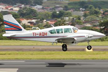 TI-AQH - Private Piper PA-23 Aztec