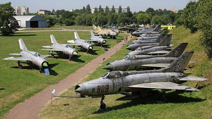 - - Poland - Air Force Mikoyan-Gurevich MiG-21