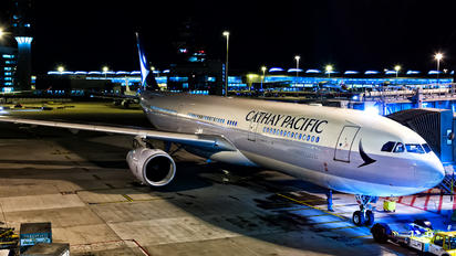 B-LAK - Cathay Pacific Airbus A330-300