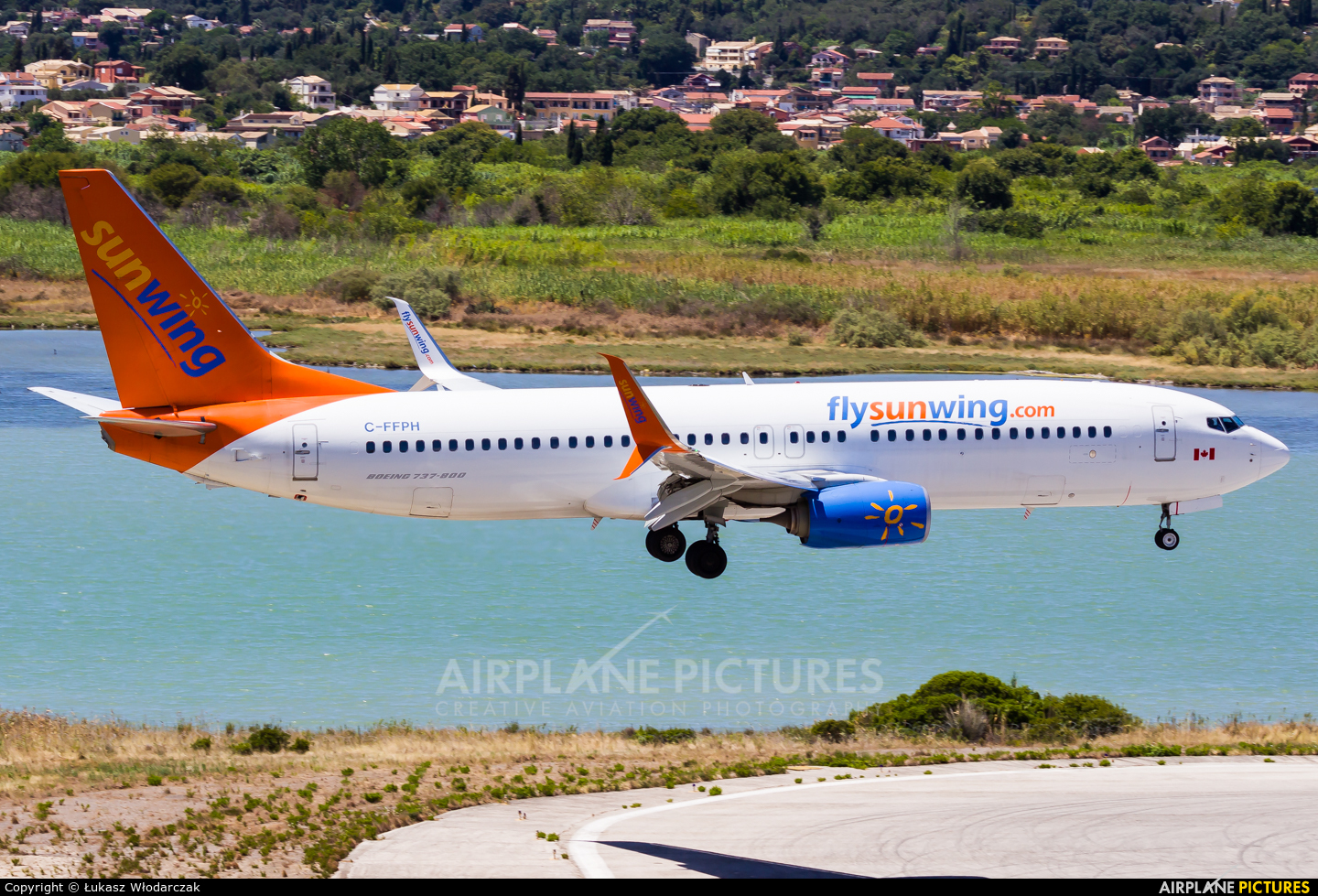 Sunwing Airlines C-FFPH aircraft at Corfu - Ioannis Kapodistrias