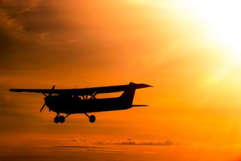 F-GBFV - Private Cessna 172 Skyhawk (all models except RG)