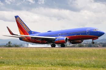 N284WN - Southwest Airlines Boeing 737-400