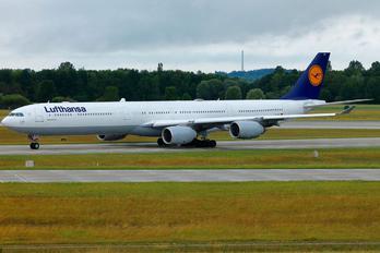 D-AIHT - Lufthansa Airbus A340-600
