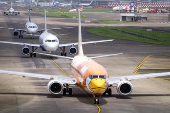 VT-SLI - SpiceJet Boeing 737-800