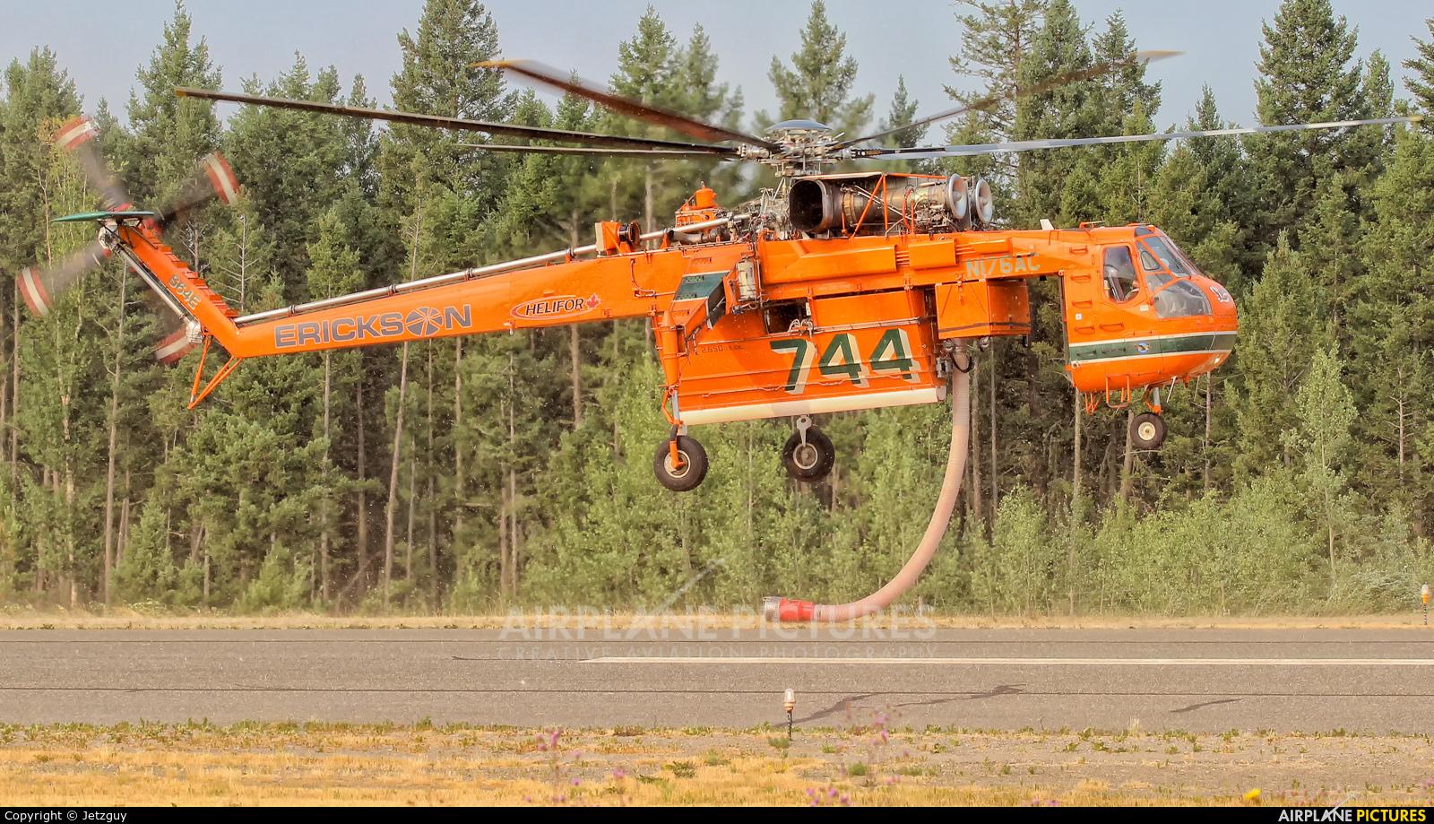 Erickson Air-Crane N176AC aircraft at 108 Mile Ranch, BC