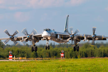 RF-94125 - Russia - Air Force Tupolev Tu-95MS