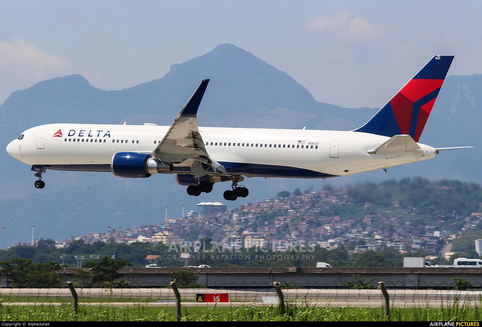 Delta Air Lines N1603 aircraft at Rio de Janeiro/Galeão Intl - Antonio Carlos Jobim