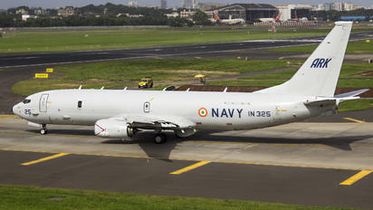IN325 - India - Navy Boeing 737-800