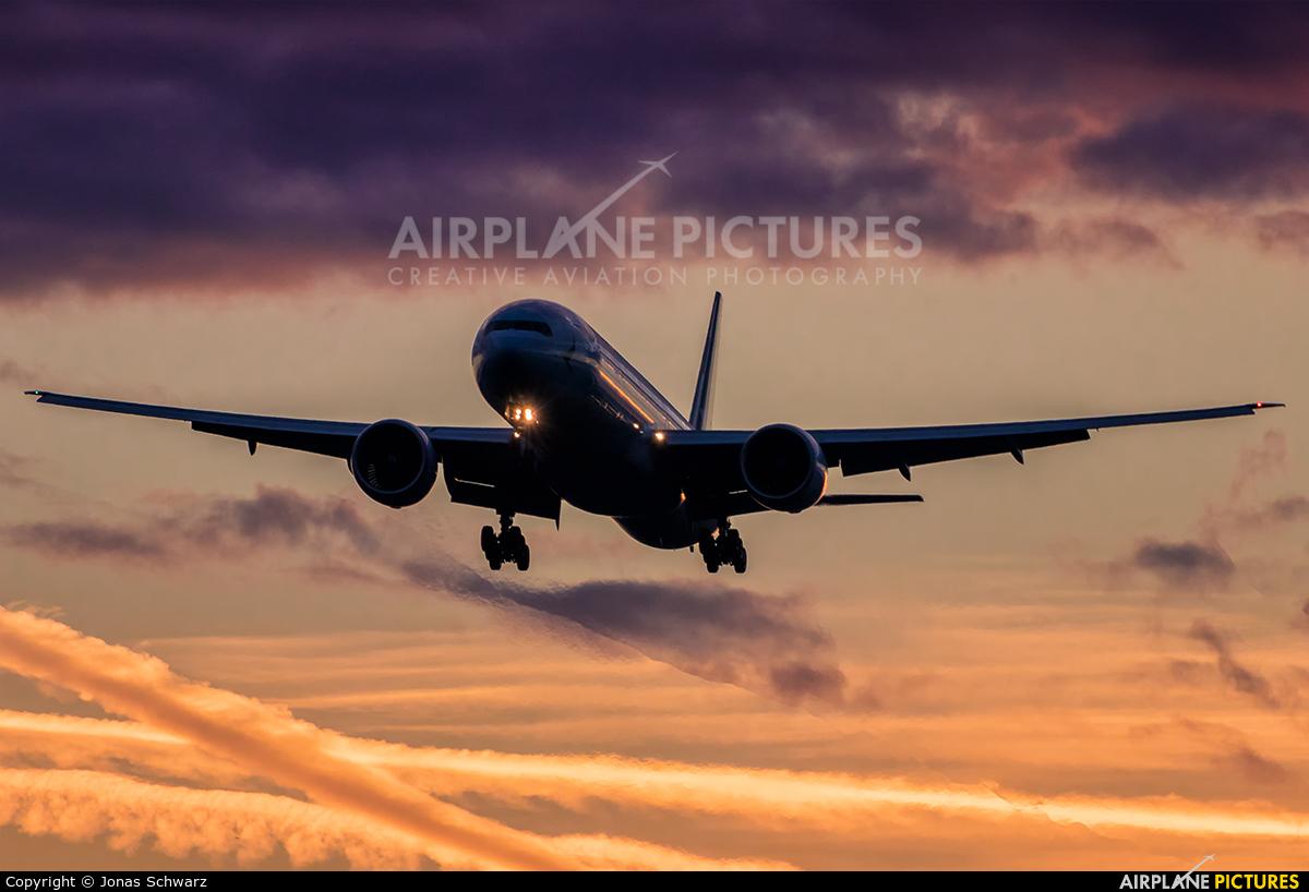 Cathay Pacific B-KPM aircraft at Frankfurt