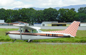 TG-DUL - Private Cessna 172 Skyhawk (all models except RG)