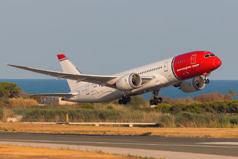 LN-LNF - Norwegian Air Shuttle Boeing 787-8 Dreamliner