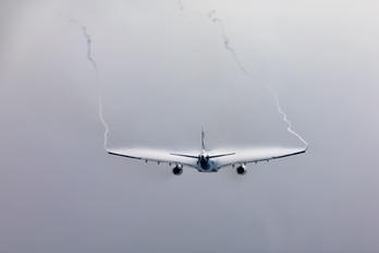 B-HLV - Cathay Pacific Airbus A330-300