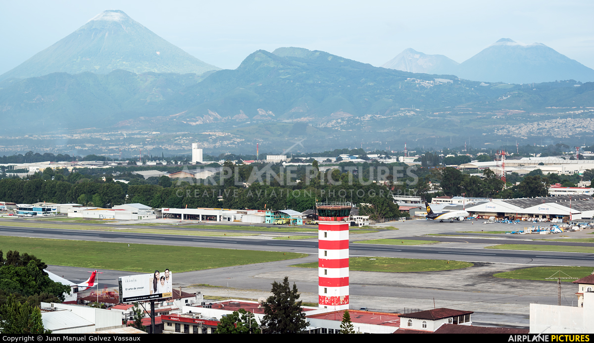 - Airport Overview - aircraft at Guatemala - La Aurora