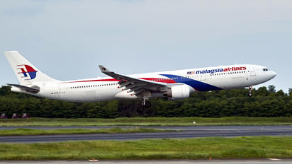 9M-MTN - Malaysia Airlines Airbus A330-300