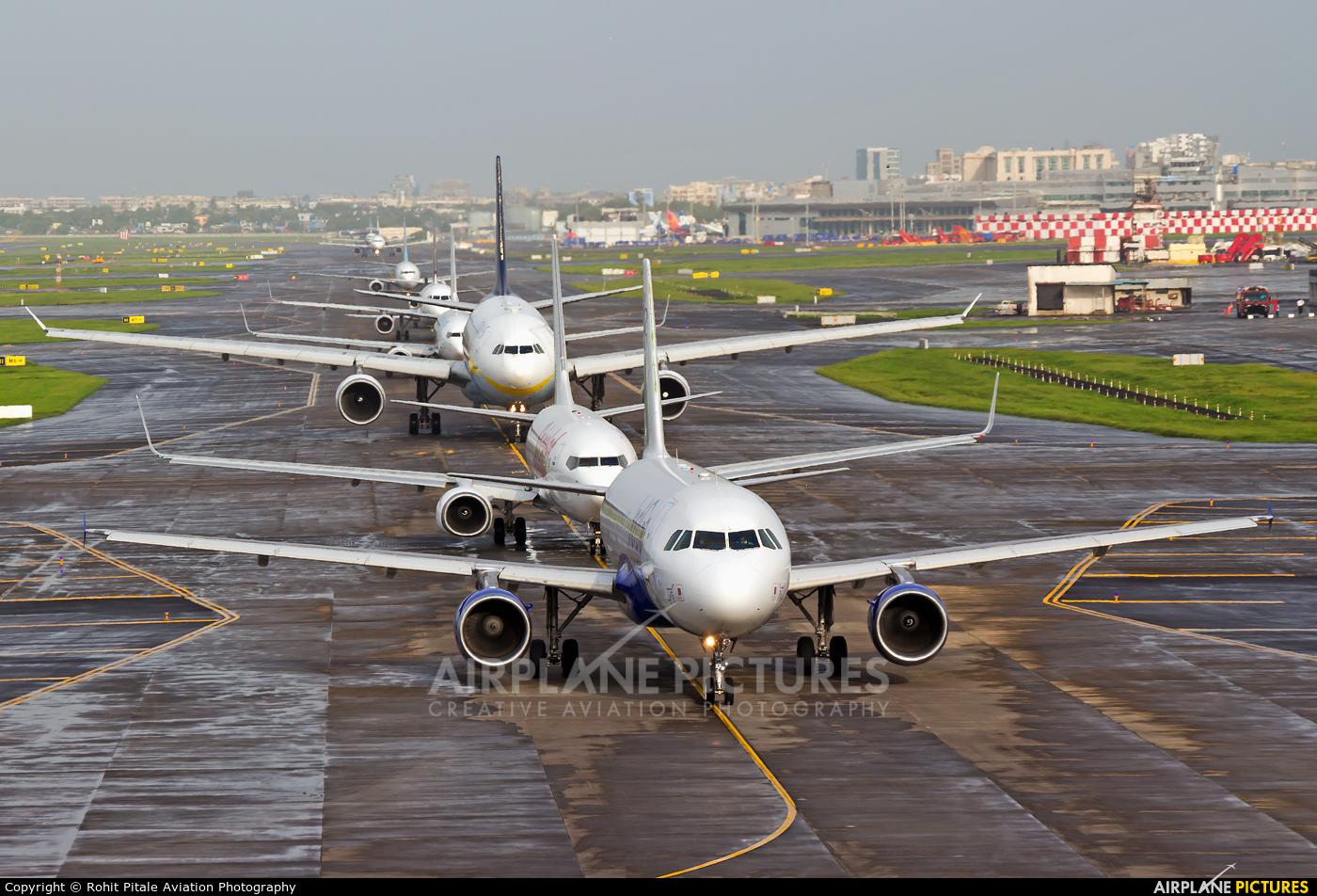 IndiGo VT-IFL aircraft at Mumbai - Chhatrapati Shivaji Intl