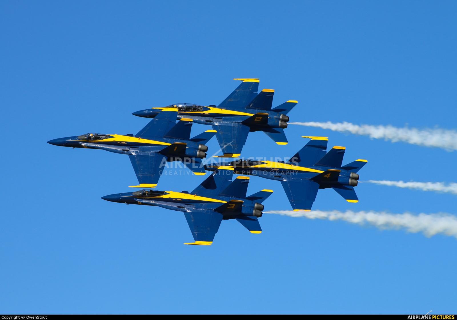 USA - Navy : Blue Angels - aircraft at Oshkosh - Wittman Regional