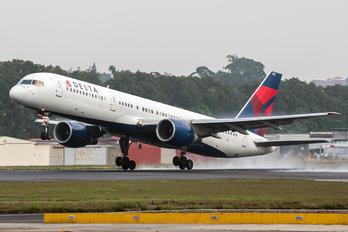 N678DL - Delta Air Lines Boeing 757-200