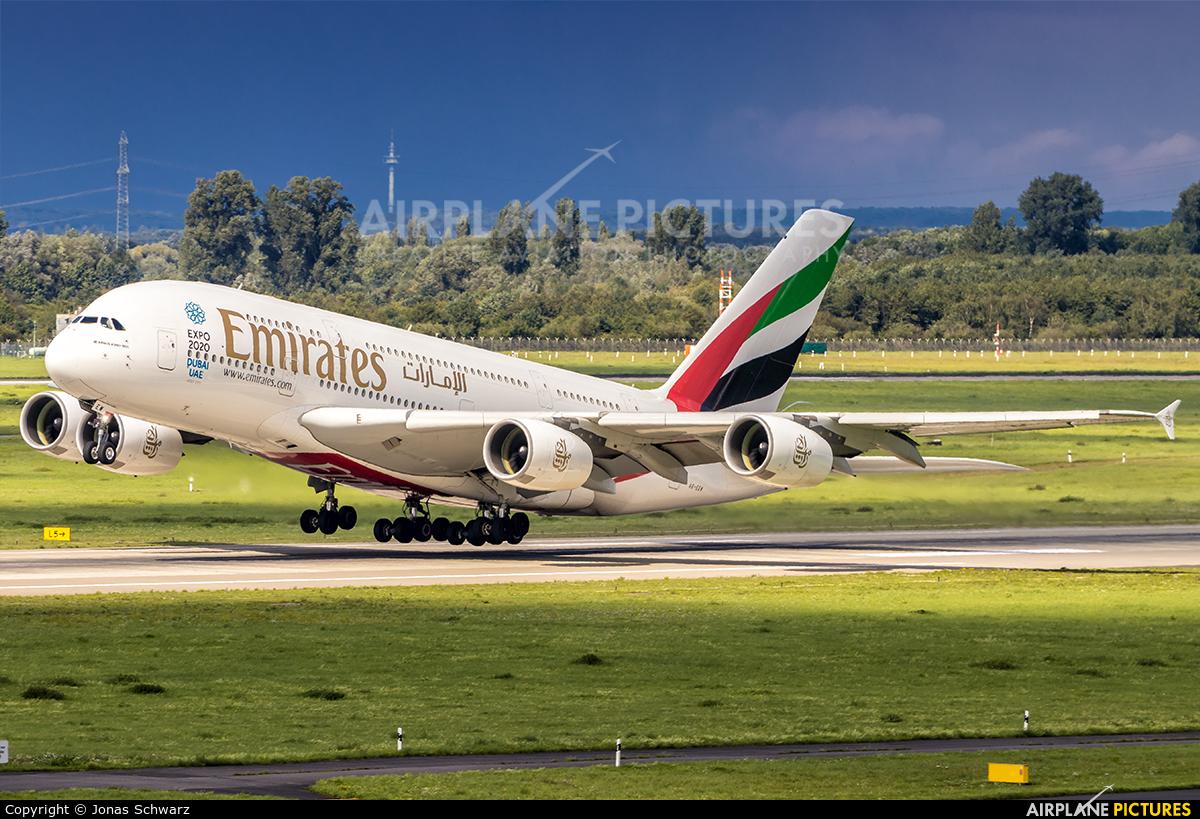 Emirates Airlines A6-EEW aircraft at Düsseldorf