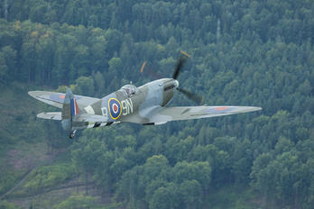 G-MXVI - Private Supermarine Spitfire LF.XVIe