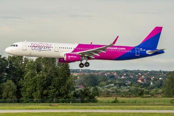HA-LXU - Wizz Air Airbus A321